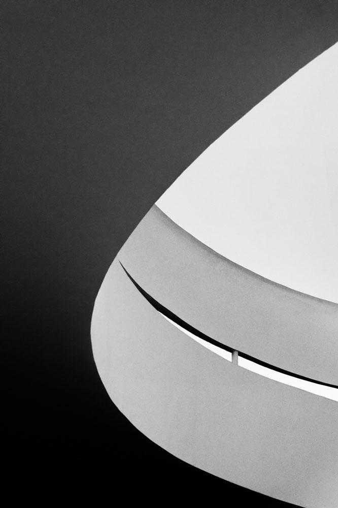 Salaverry_Antonio_Curved-Concrete01