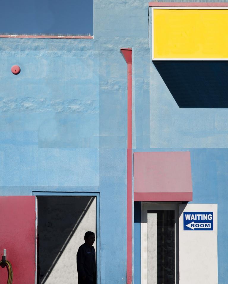 062_Blue-Garage