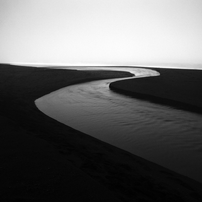 Streaming-through-Black-Sand-I